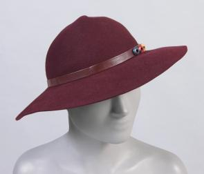 Stetson woman&#039;s medium-brim hat. Image provided by Philadelphia Museum of Art